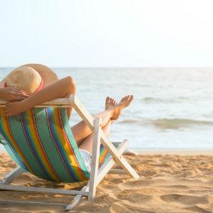 StemPunt Poll - Waar ben jij liever op een warme dag? Op het strand of bij het zwembad? -